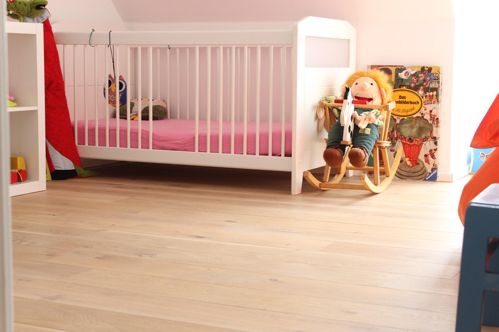 Multiplexparkett-weiß-Mixsortierung-Kinderzimmer-Münster-04-1-1