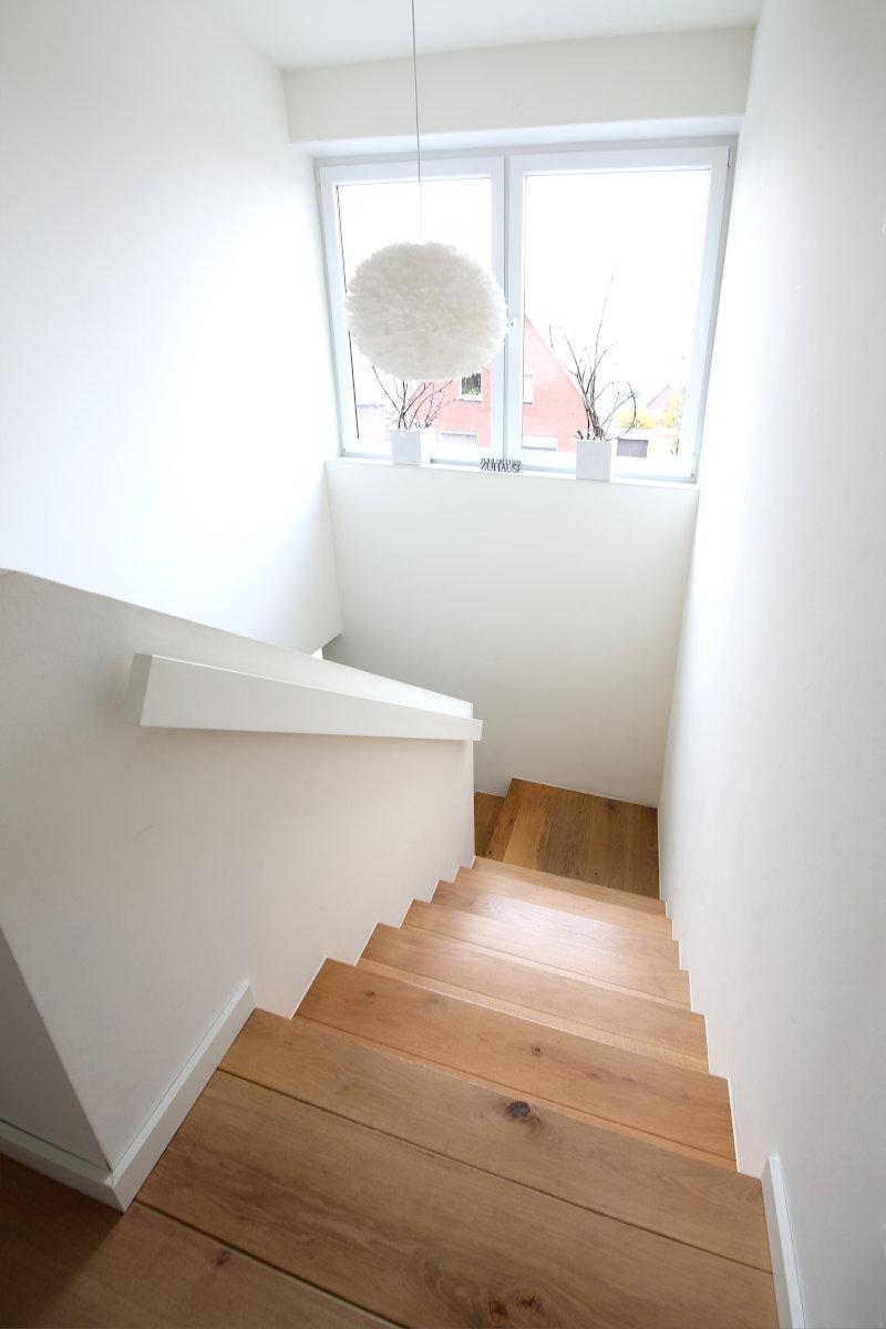 3 Betonkerntreppe Belag Multiplex Eiche wie Fußboden Wei Emsdetten 07
