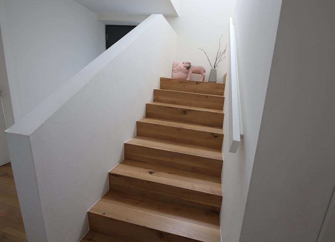 Betonkerntreppe Belag Multiplex Eiche wie Fußboden Emsdetten 01